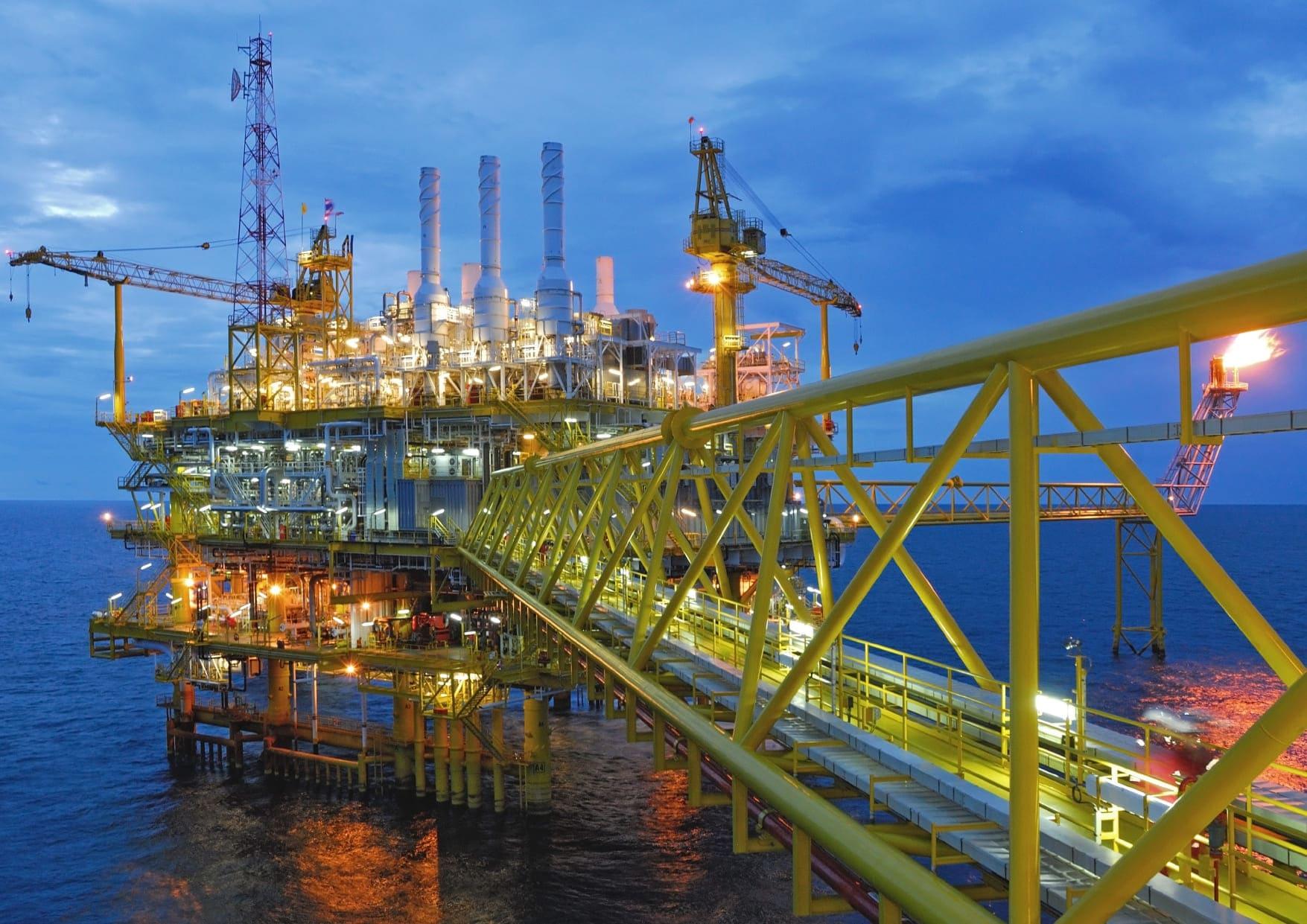 How does Vantage POB mitigate risks